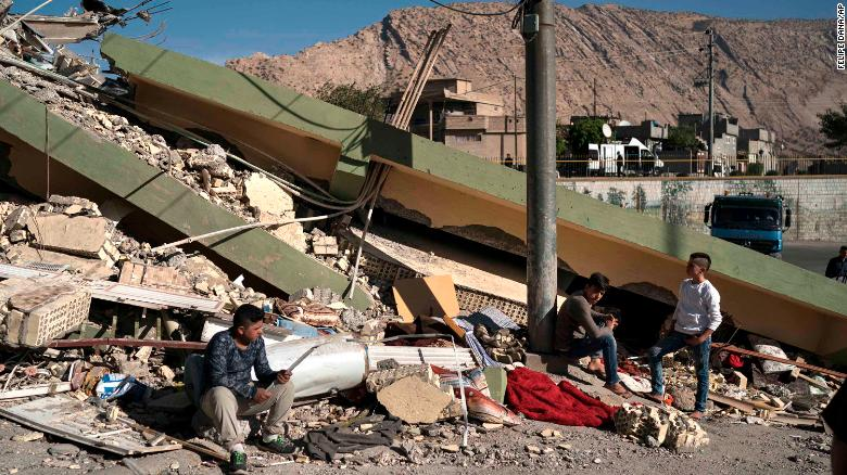Image result for 450-die-in-iran-earthquake