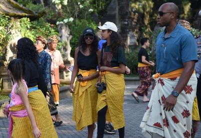 Barack Obama's Tirtha Empul temple visit
