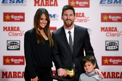 Messi with the 2017 European Golden Shoe Award