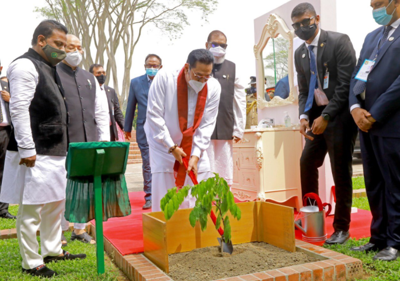 Lankan PM pays tribute to liberation war heroes at Savar