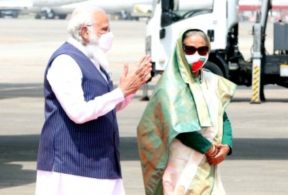 Red carpet rolled out as Indian PM arrives in Dhaka