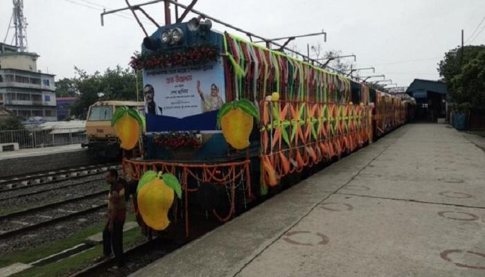 PM launches special mango train on Chapainawabganj-Dhaka route
