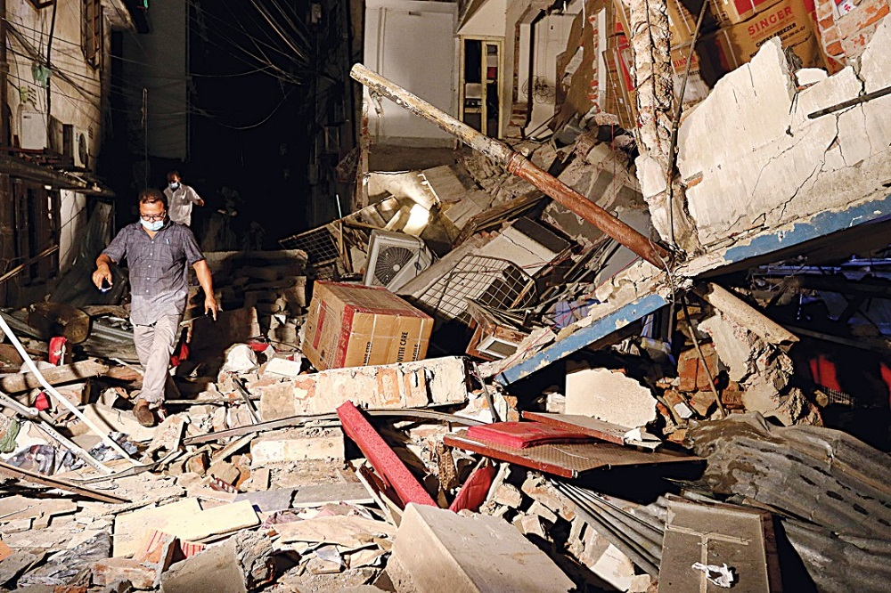 Blast devastates Moghbazar building in Dhaka, 7 killed