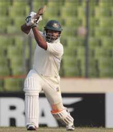 2 openers give Bangladesh steady start