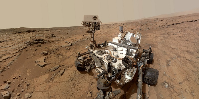 Rover finds clue that Mars may harbor life