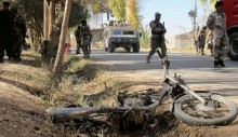 Afghanistan violence: Taliban kill 10 in Helmand bank attack