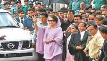 Khaleda\'s graft cases\' judge transferred