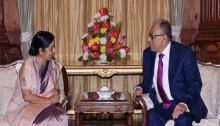 Sushma meets Hamid at Rashtrapati Bhaban