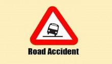 Laxmipur road crashes kill 2