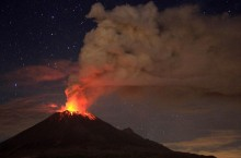 Mexican volcano spews ash 3.5 km high