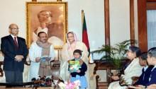 PM inaugurates  'free textbook' distribution