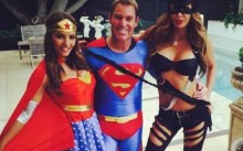 Shane Warne\'s superman New Year welcome