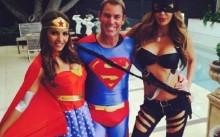 Shane Warne\'s superman New Year welcome