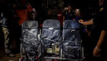 AirAsia flight QZ8501 search area expanded