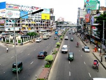 Transport blockade enters 2nd day across the country