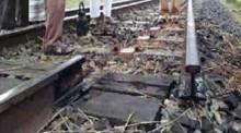 Cutting off rail tracks halts Dhk-CTG-Syl train services