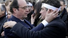 Paris attacks: Hollande to hold security meeting