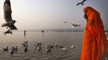 Over 100 Bodies recovered from India\'s Ganges