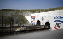Channel Tunnel closed after lorry fire