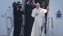 Pope departs Philippines after record-breaking Mass