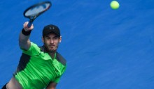Andy Murray eases into round three