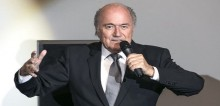 Fifa: Sepp Blatter calls for Uefa to show \'courage\' and challenge him