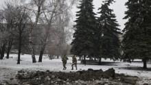 Ukraine conflict: Soldiers die in eastern fighting