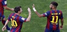 Barcelona beat nine-man Atletico in thriller