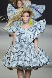 Victor & Rolf Couture Spring Summer 2015 Paris At A Glance