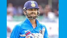 Virat Kohli goes from tormentor to protector