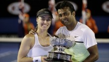 Leander Paes dedicates Australian Open trophy to all Indians