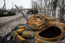 Ukraine crisis: Putin to confer with leaders by phone