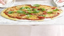 Pizza margherita in 4 easy steps