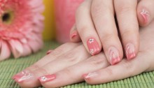 5 ways to avoid brittleness to grow your nails faster
