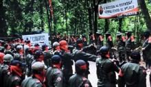 Colombian soldiers killed by roadside \'rebel\' bomb