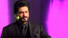 Enjoying meeting real people on 'Sabse Shaana Kaun': SRK
