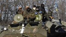 Ukraine crisis: Battle rages for Debaltseve despite truce