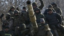 Ukraine troops retreat from key town of Debaltseve