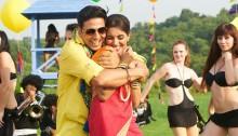 Akshay Kumar welcomes Asin!