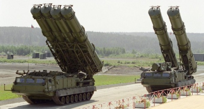 Russia offers missiles to Iran against UN ban