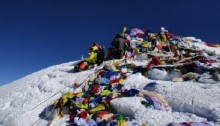 Everest permits: Climbers want Nepal \'to honour 2014 promise\'