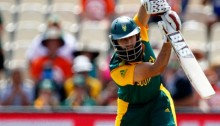 Gayle sends Amla and Plessis to the pavilion