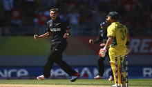 Australia reels with Kiwi bowling