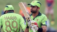 Cricket World Cup 2015: Pakistan cruise past UAE in Napier