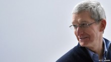Apple\'s Tim Cook offered liver to dying boss Steve Jobs