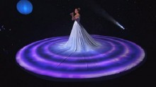 J.Lo\'s dress swallowed entire stage