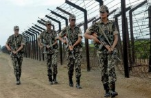 4 Detectives picked up by BSF
