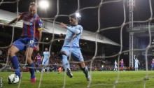 Man City\'s title hopes suffer blow
