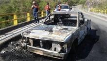 Gunmen kill 15 Mexican police in roadside ambush