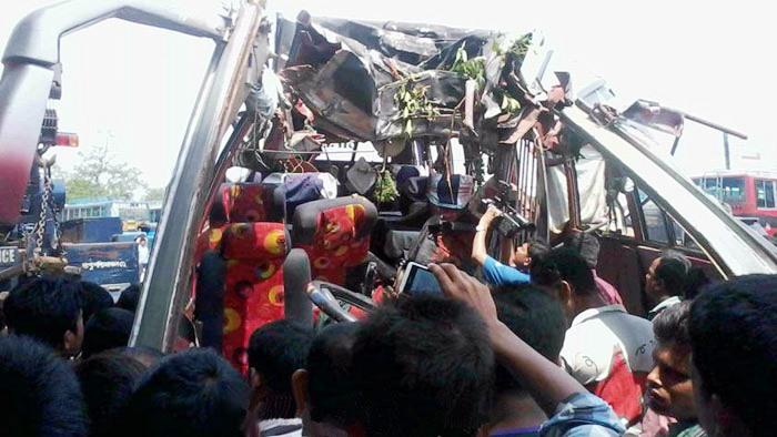 26 killed, 22 injured in Faridpur bus plunge
